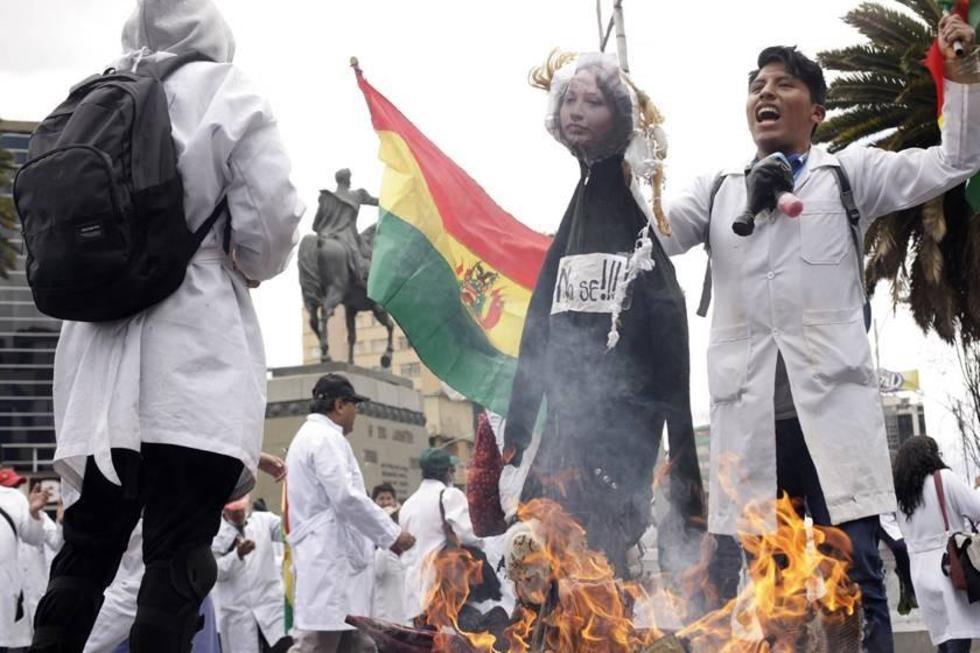 Los galenos iniciaron su huelga indefinida que inició el 23 de noviembre y cumple hoy 30 días.
