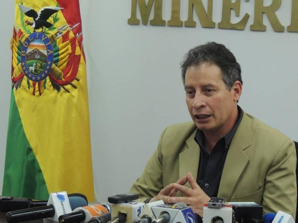 El ministro potosino en una conferencia de prensa.