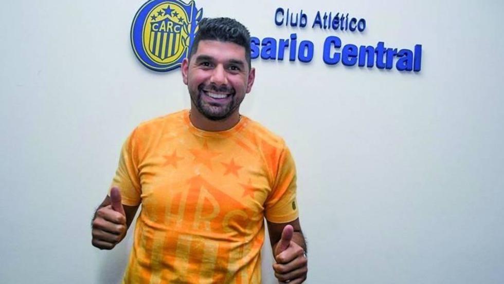 Néstor Ortigoza ficha por Rosario Central