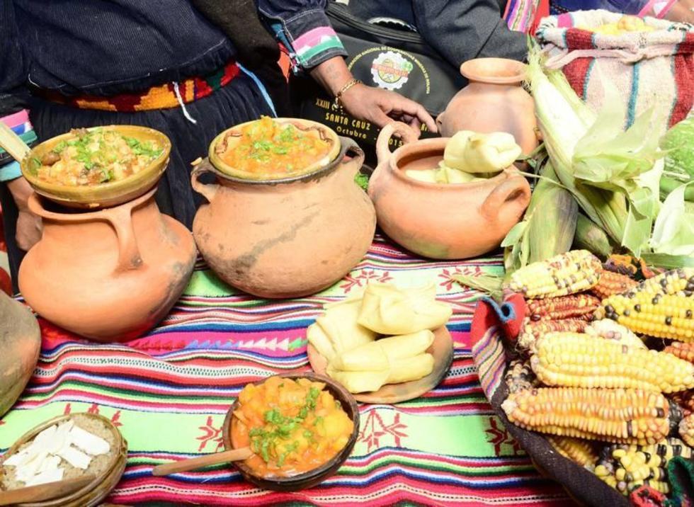El ají de Lisa entre varios platos que se prepara en Manquiri.