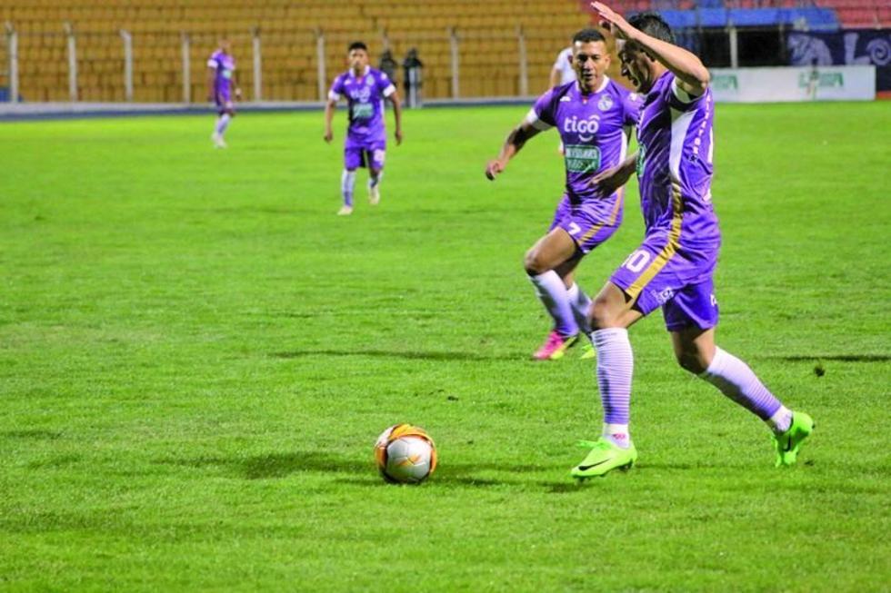 Completan la serie del equipo lila los planteles de Oriente Petrolero, Universitario, Guabirá y Destroyers.