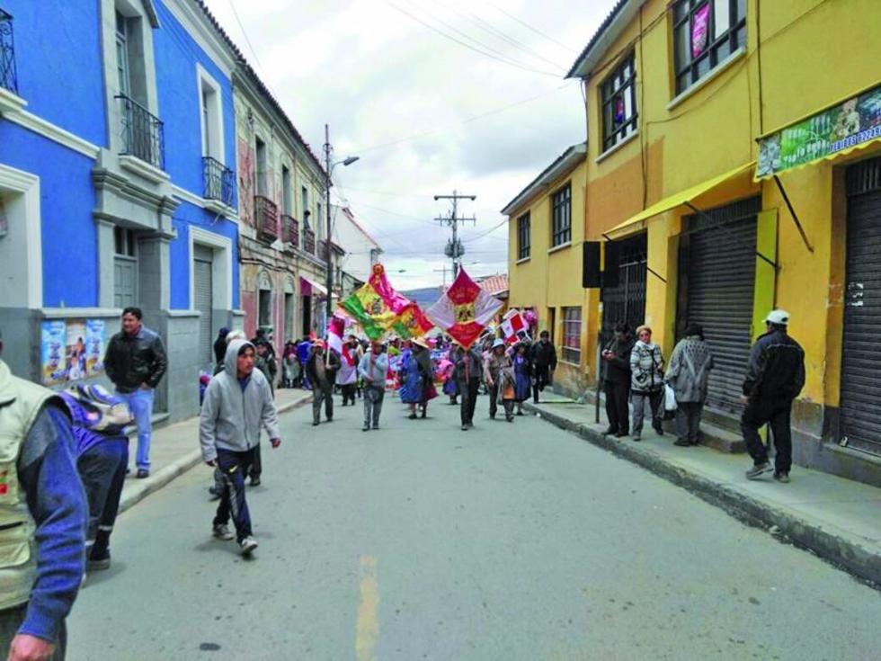 El paro de 24 horas se hizo cumplir con la movilización de los grupos de control.