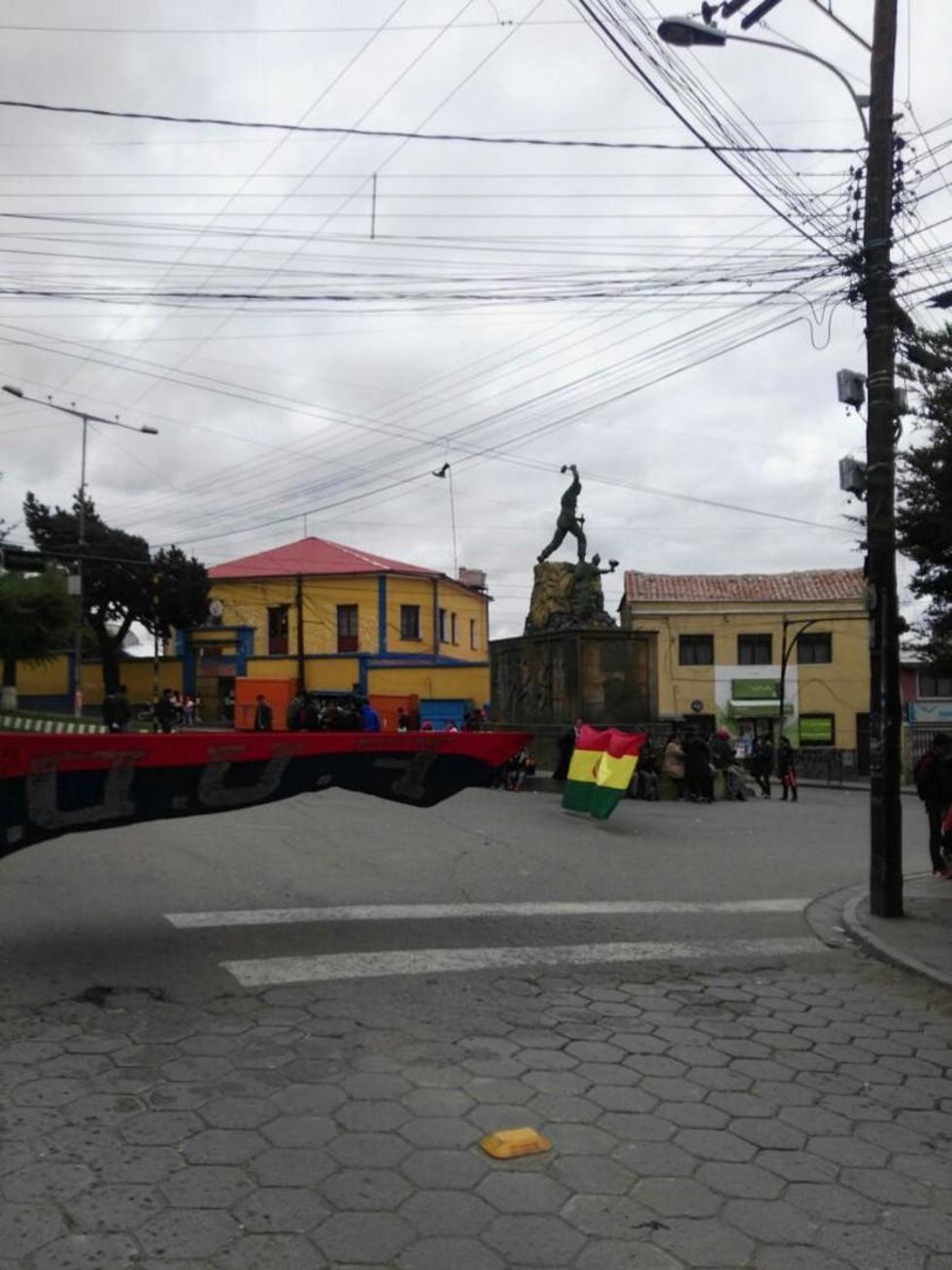 Los bloqueos de las calles se reprodujeron en diferentes zonas de la ciudad.
