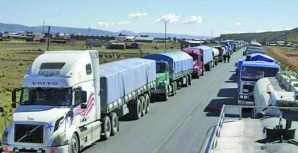 Los del transporte pesado dejan de lado el bloqueo de caminos.