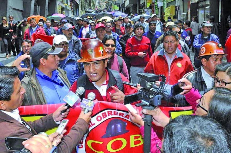 La COB y Conade lideran las movilizaciones que exigen al Gobierno de Evo Morales abrogue la ley 1005.