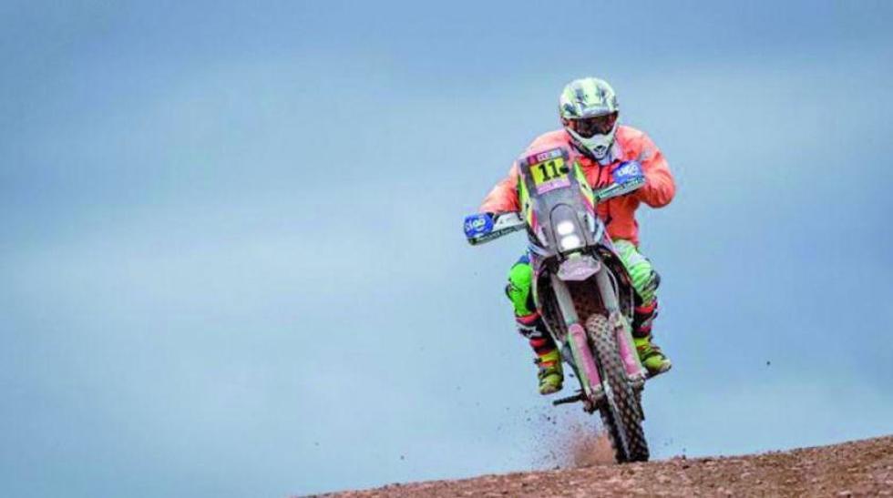 """El """"Chavo"""" Salvatierra no pudo terminar la carrera porque se rompió el chasis de su moto."""