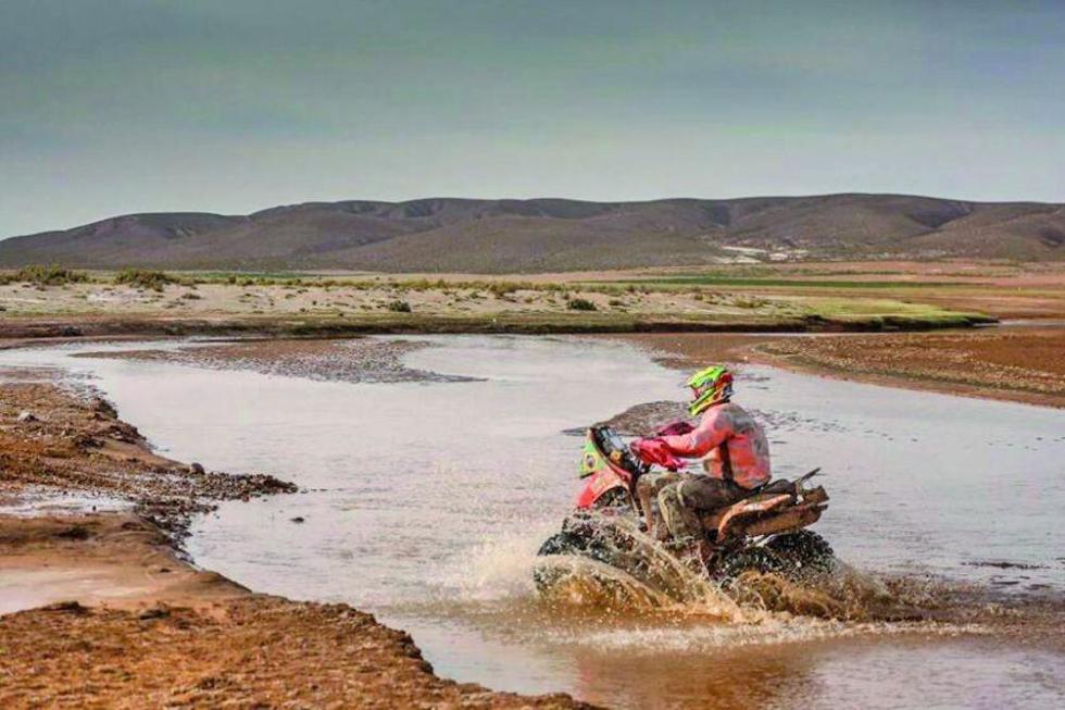Los ríos fueron uno de los obstáculos de la etapa.