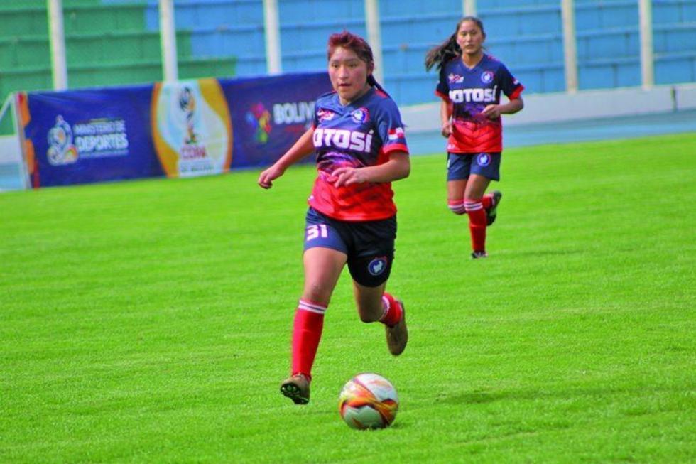 Leny Mendoza, Zulma Téllez, Zelmy Quispe, Celina Contreras y Rosby López fueron las autoras de la goleada.