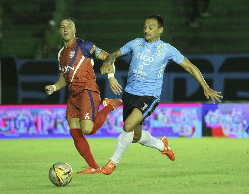 """Blooming resigna un empate ante Royal Pari en el """"Ramón Aguilera Costas"""""""