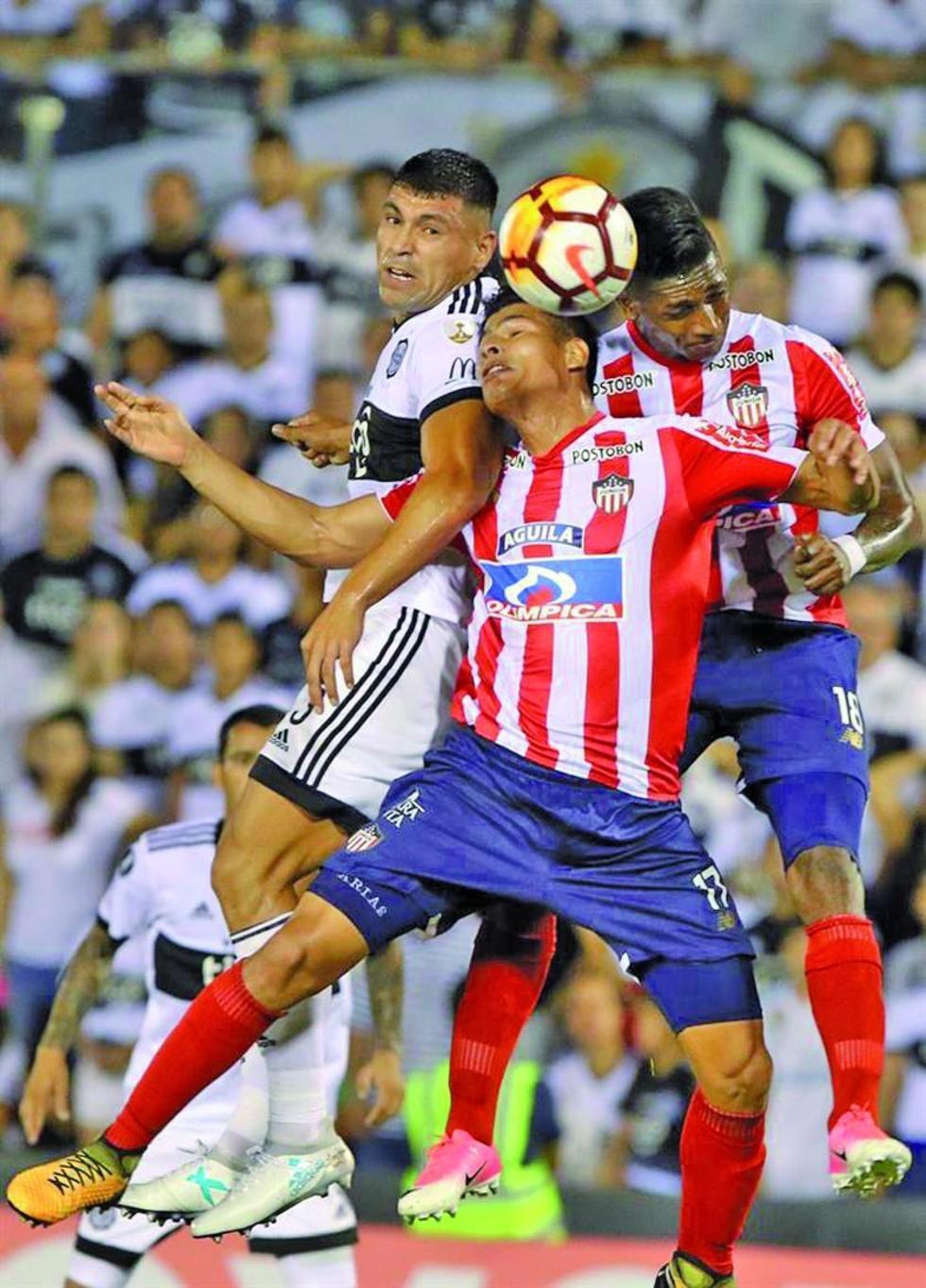 """El partido se jugó en el """"Defensores del Chaco"""", en Asunción."""