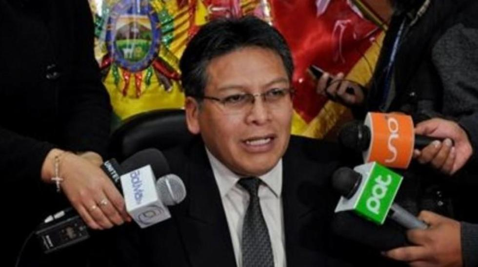 El exmagistrado del Tribunal Constitucional Plurinacional (TCP), Zenón Bacarreza, en conferencia de prensa.