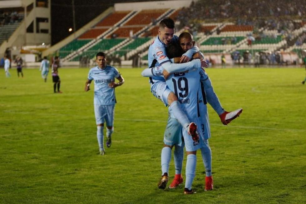Bolívar golea a Real Potosí y es más líder que nunca del torneo
