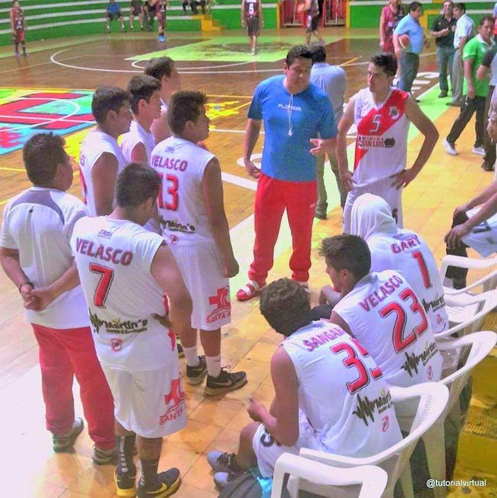 El equipo de Nacional Potosí en uno de los partidos en Santa Cruz.