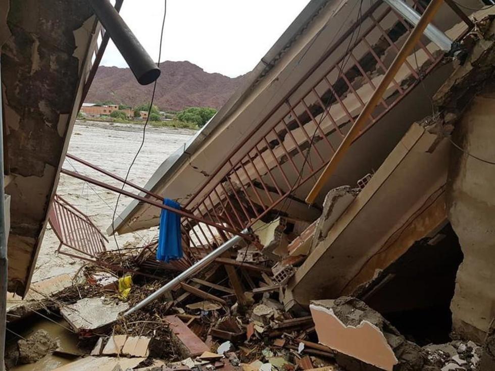 El 31 de enero, la fuerza del agua destrozó las viviendas en Tupiza.