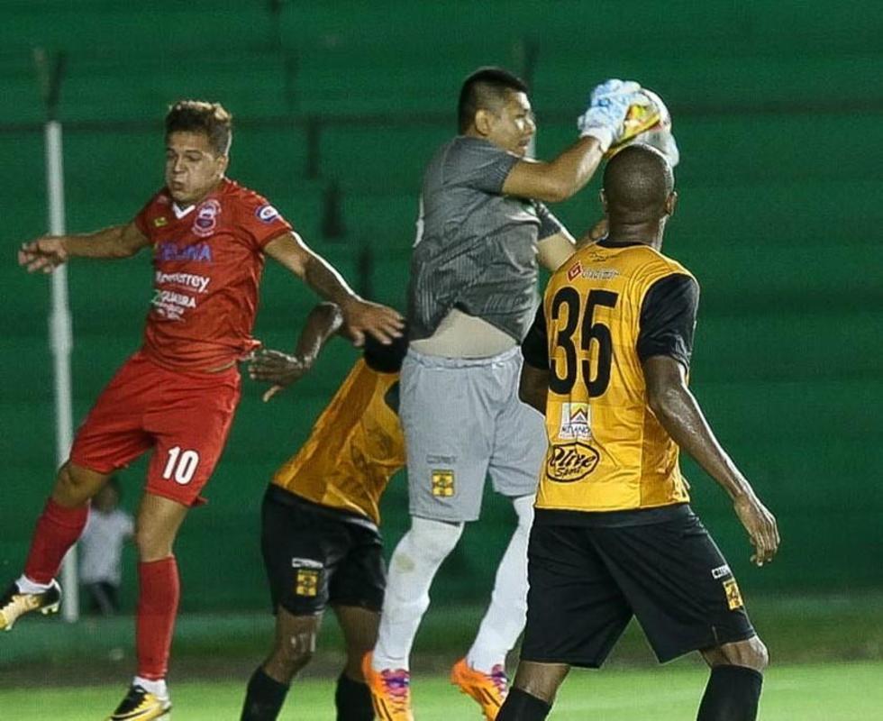 Guabirá y Destroyers se perjudican con el empate