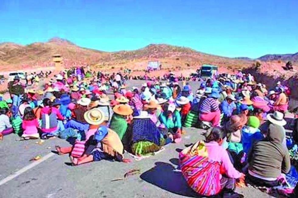 Un anterior bloqueo de comunarios de la provincia José María Linares contra la actividad minera.