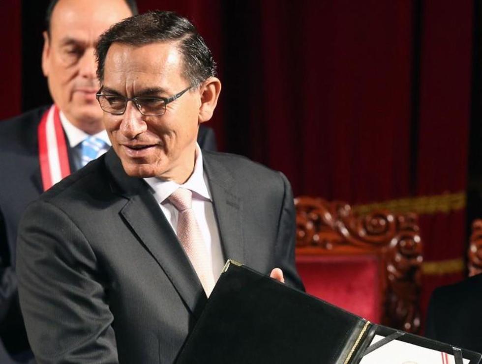 Vizcarra jura a la presidencia de Perú tras la renuncia de PPK