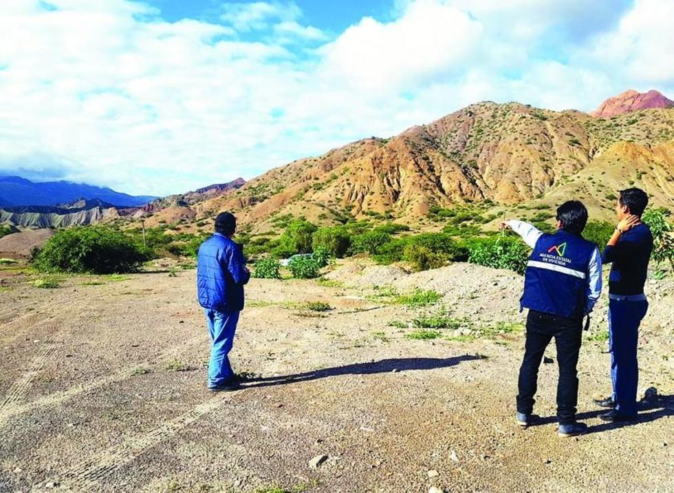 Los técnicos de la Agencia Estatal de Vivienda identificaron el área para construir las casas en Tupiza.