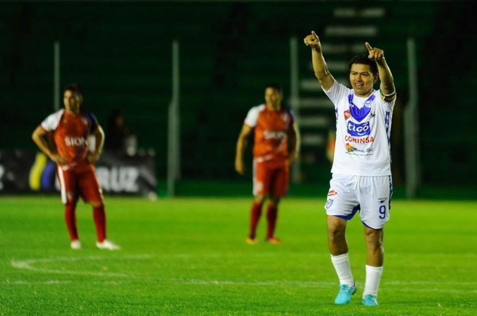 San José y Wilstermann lideran sus series en el torneo Apertura 2018