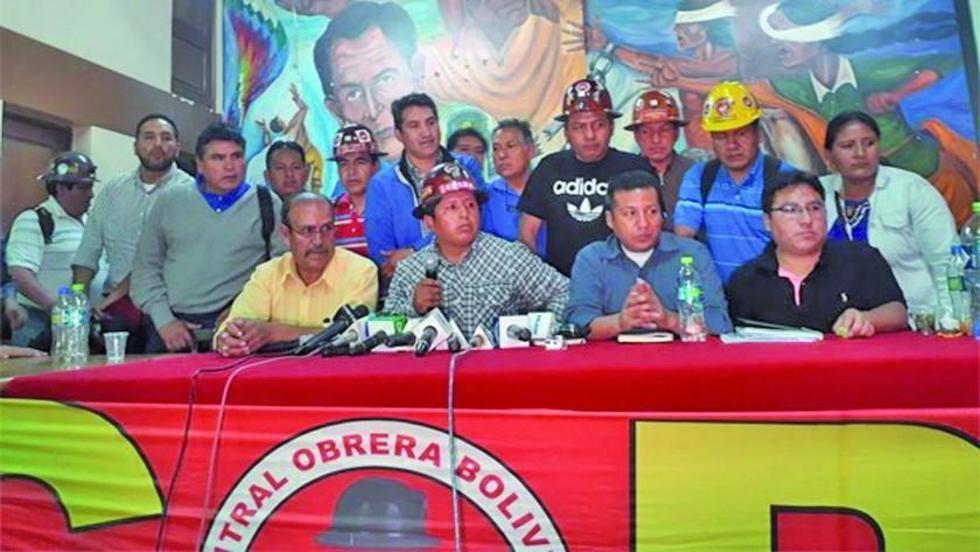 Dirigentes de la COB entregan hoy el pliego laboral al Gobierno