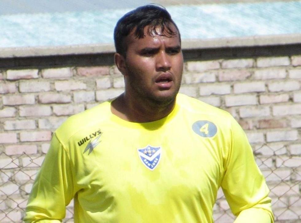 Real Potosí refuerza sus líneas con tres jugadores