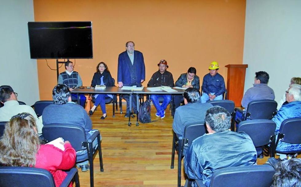 Ayer, el ministro Roberto Aguilar, destacó los consensos de la primera jornada de trabajo en la comisión social.