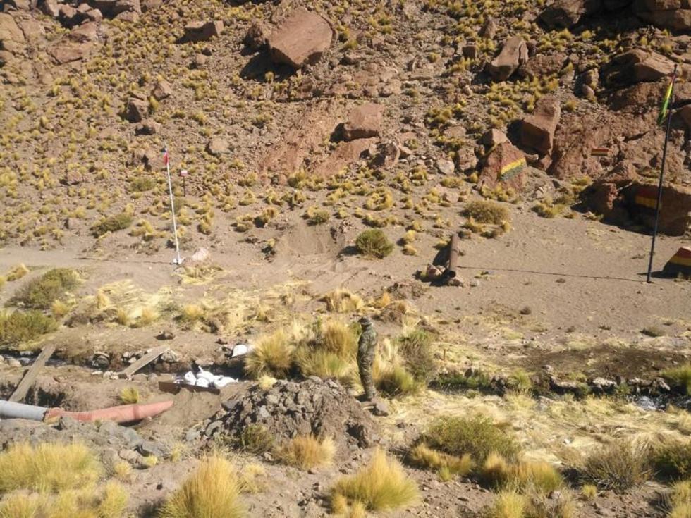 Chilenos completan entubado de las aguas potosinas del Silala