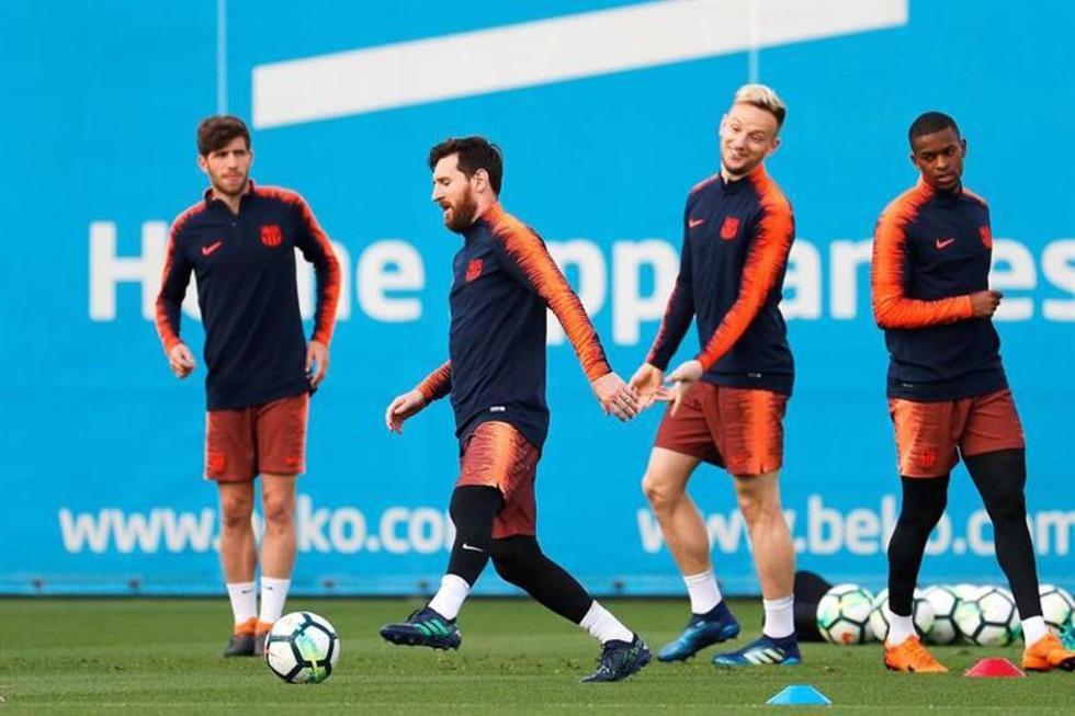 El equipo azulgrana durante su entrenamiento.