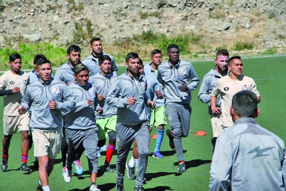 El equipo de los altos de San Juan en el cierre de sus entrenamientos.