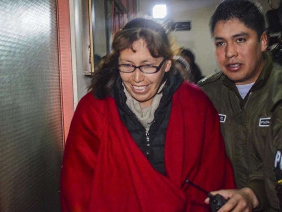 Jueza implicada en actos ilegales va a la cárcel de Obrajes de La Paz