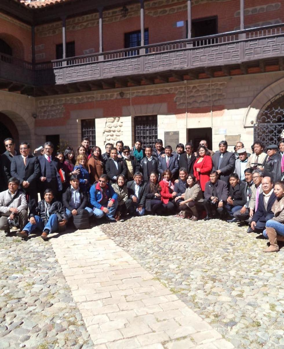 Los miembros de la FTPP al final de acto.