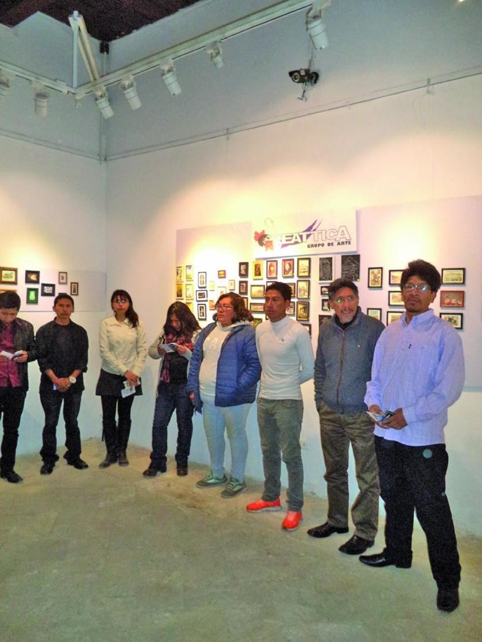Los artistas en el acto de inauguración.
