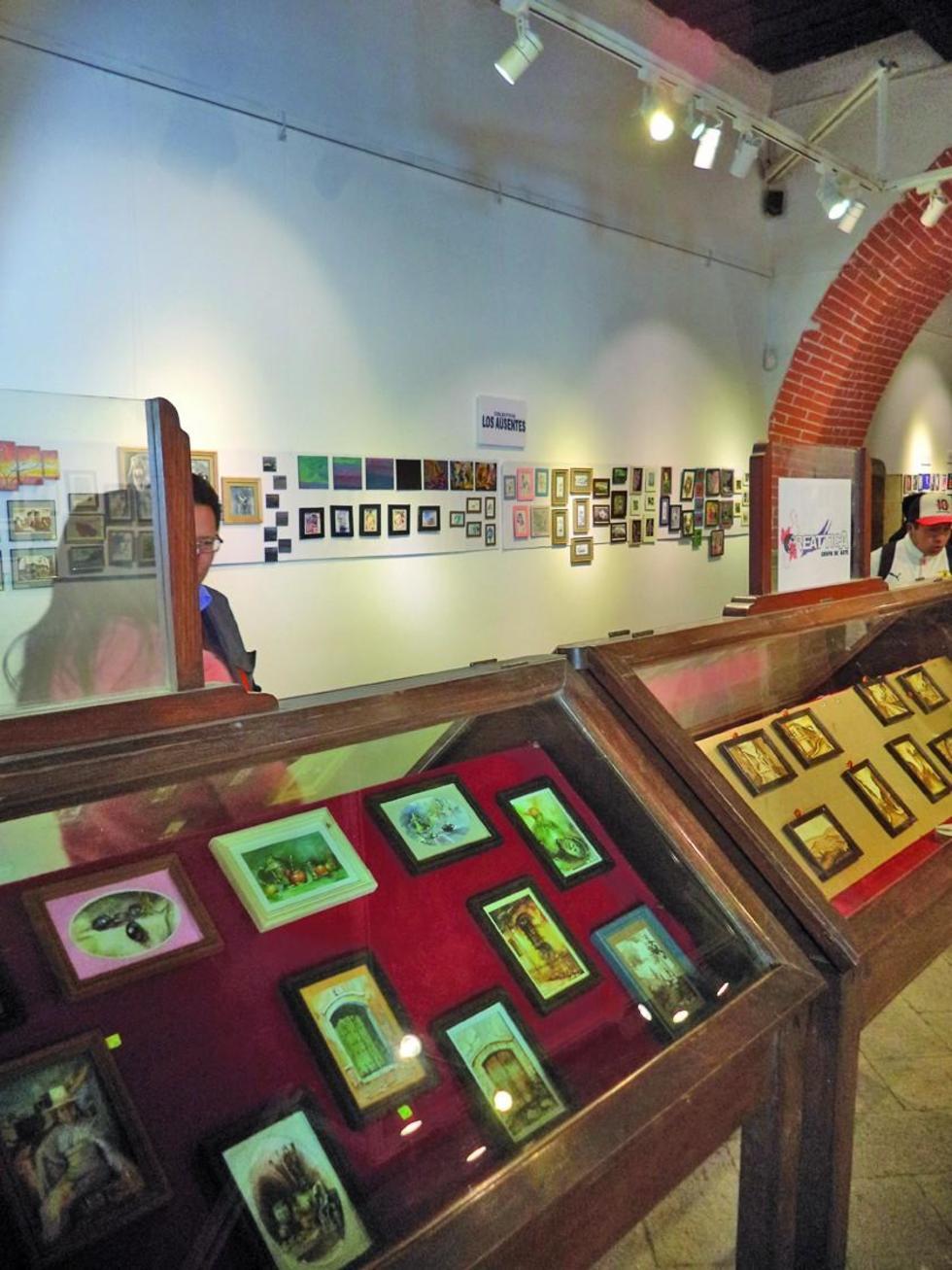 La población puede observar las obras en miniatura.