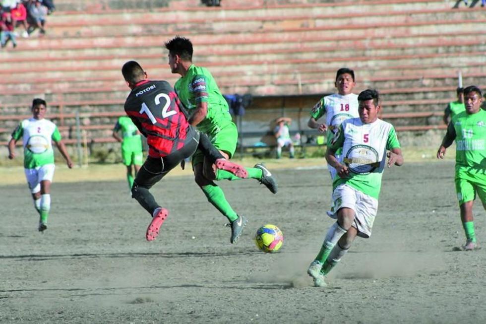"""El partido de la octava fecha se jugó en el estadio """"Potosí""""."""