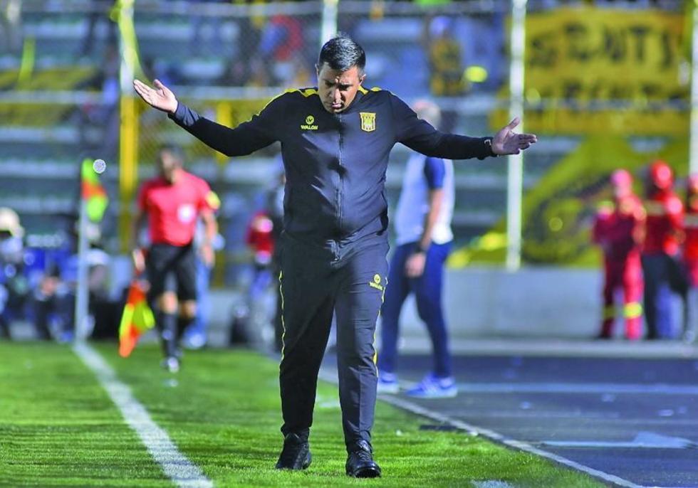 César Farías apunta a sumar los tres puntos