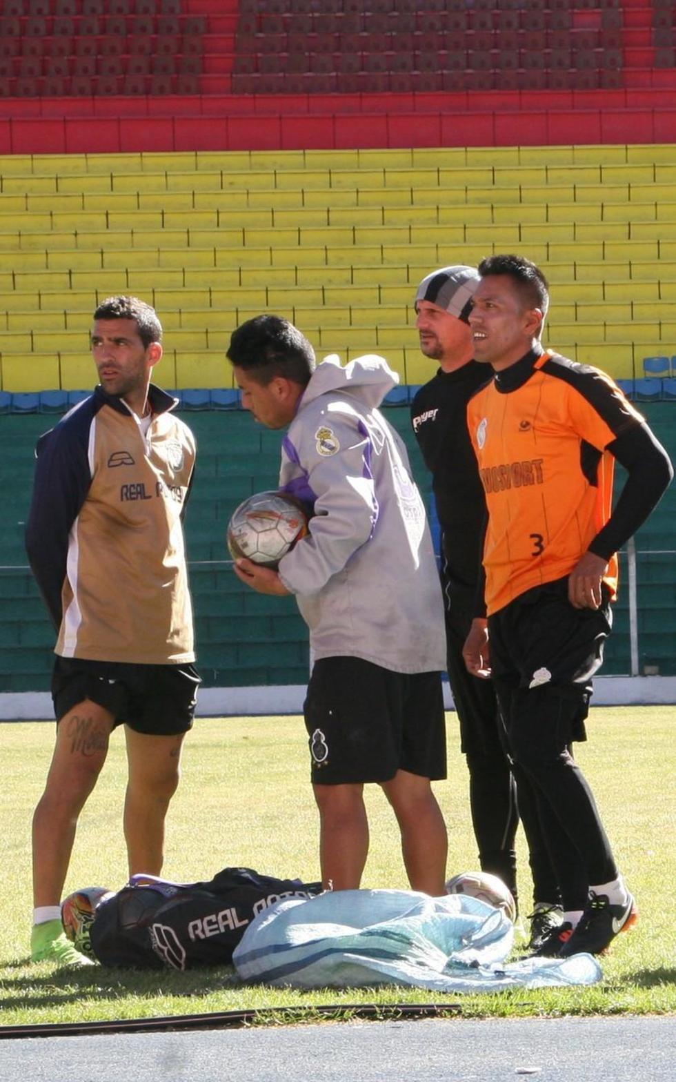 Real Potosí va con todo para derrotar a Royal Pari en partido de hoy