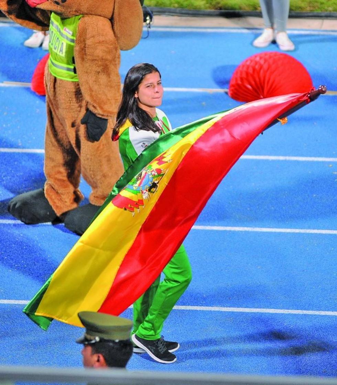 La atleta Karen Tórrez (nadadora) encabeza la delegación boliviana.