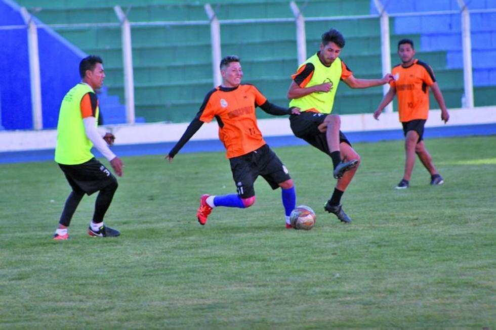 Los jugadores fueron citados a las 10:00 en el estadio para cumplir con su práctica programada.