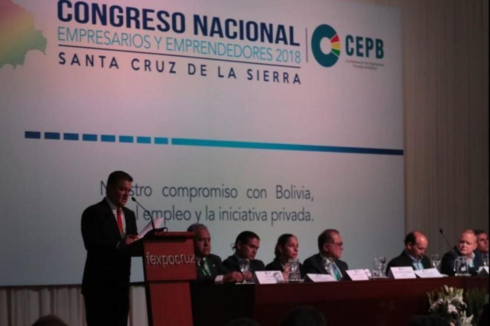 El congreso en Santa Cruz.