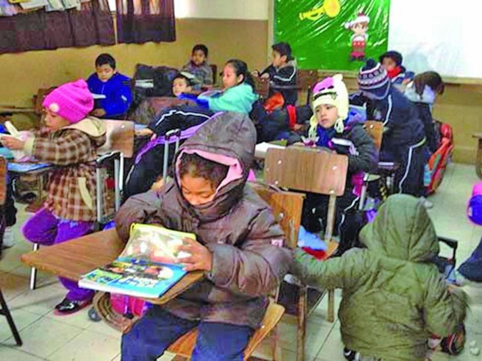 Se sancionará  a escuelas que pidan uniforme en la época invernal