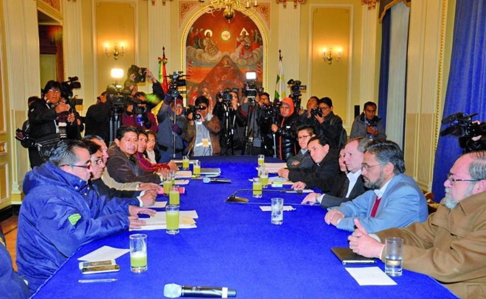 En la reunión, los dirigentes de la Universidad alteña dijeron que solamente escucharon las propuestas planteadas por el