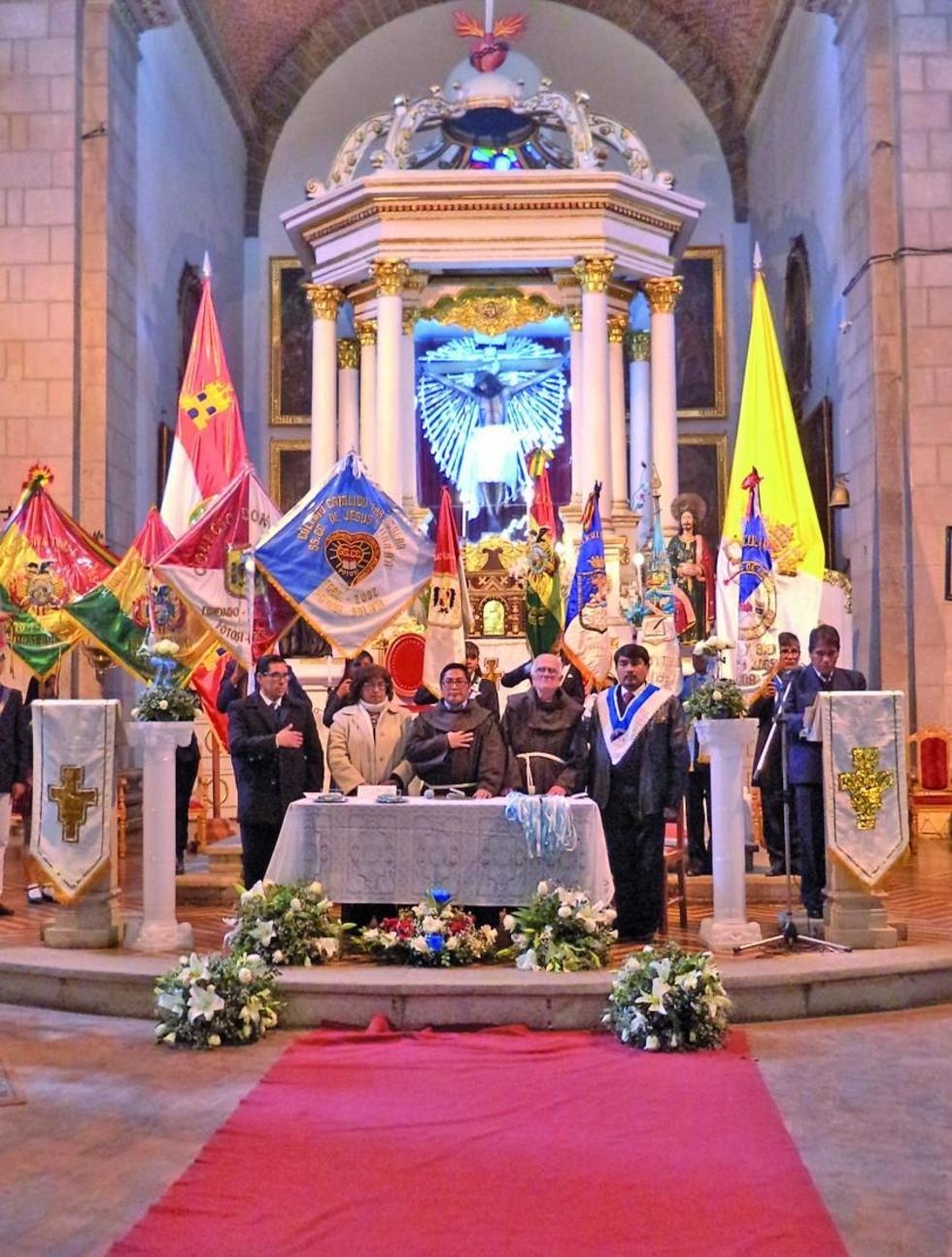 El acto se desarrolló en el templo de San Antonio de Padua.