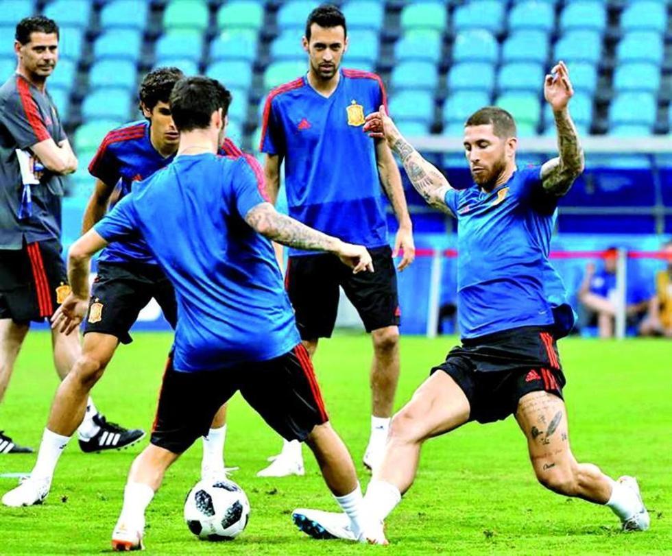 Los jugadores de la roja durante su entrenamiento.