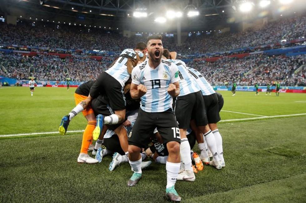 Argentina va a octavos derrotando a Nigeria a pura fuerza