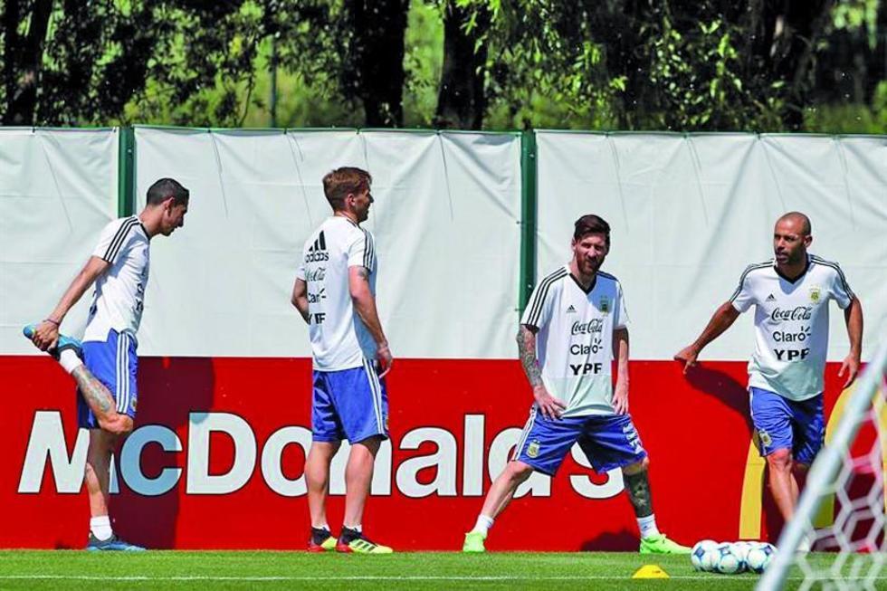 Los jugadores argentinos durante su entrenamiento.