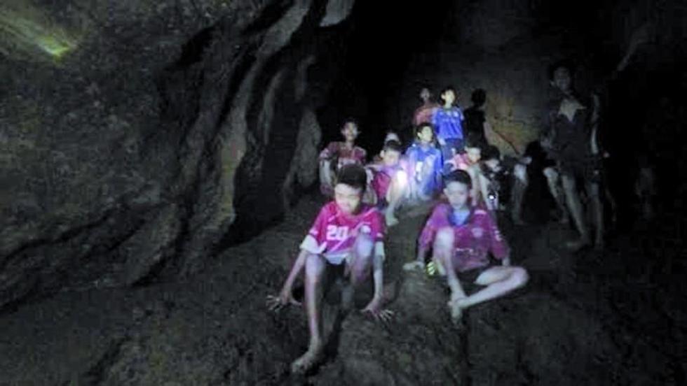 Los estudiantes permanecen a cuatro kilómetros de profundidad.