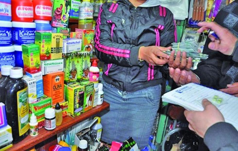 Afirman que la actividad del contrabando continúa sin control y que los efectos se observan en las calles.