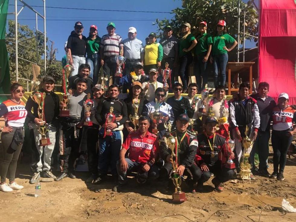 Los potosinos suben al podio en nacional de autos en La Paz