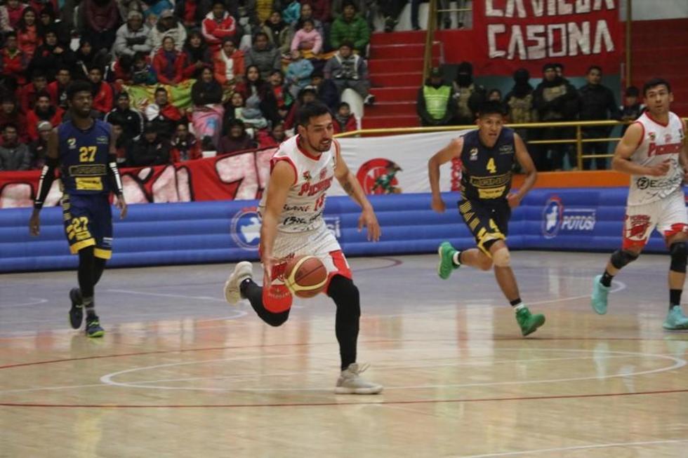 Fernando Cadario fue el más efectivo consiguiendo anotar 33 puntos para la Vieja Casona.