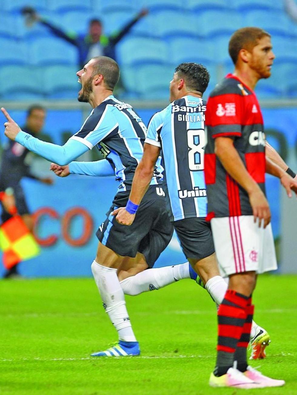 Gremio derrota 2-0 a Flamengo en la liga brasileña